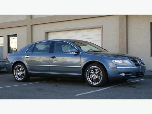 2004 Volkswagen Phaeton - Leather Heated Seats - AWD - V8