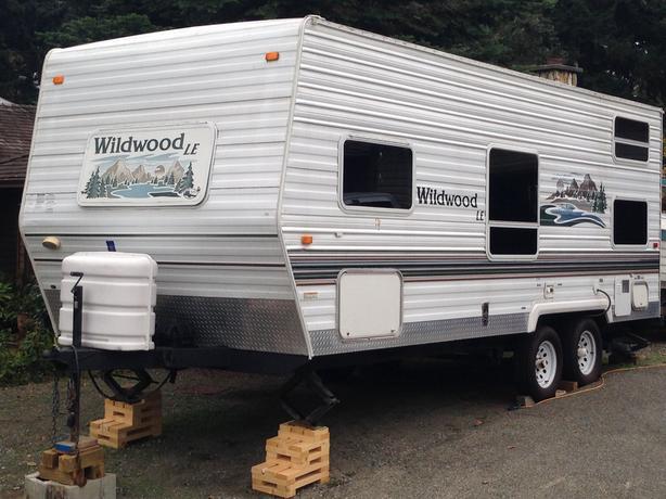 24' Wildwood Bunkhouse
