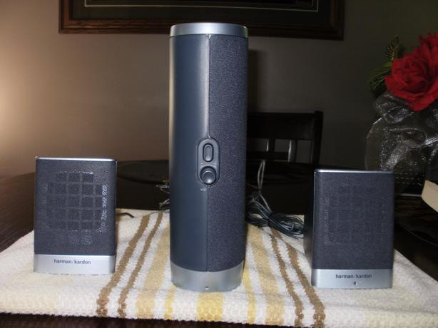 harmon / Kardon 3.1 Speakers.