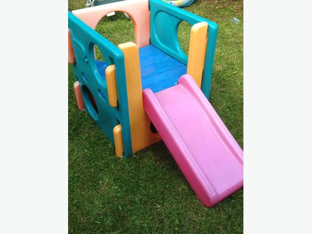 Cube d'escalade little tikes