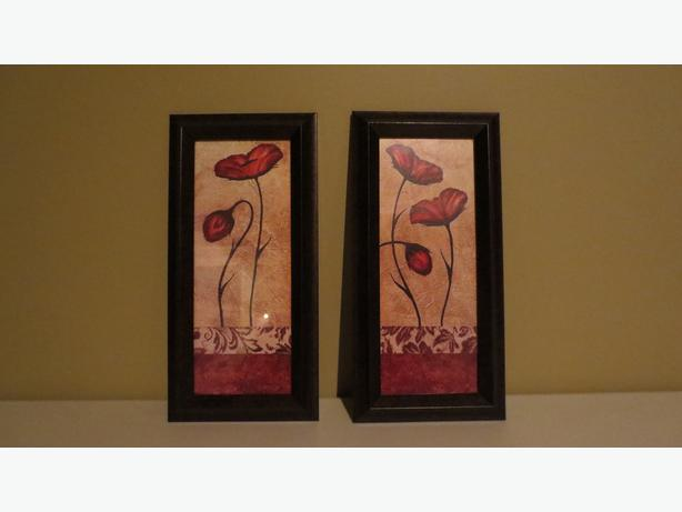 TWO POPPY WALL HANGINGS (NEW)