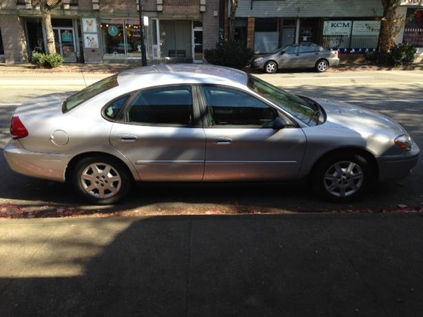 2005 Ford Taurus V6, only 77600 kilometers