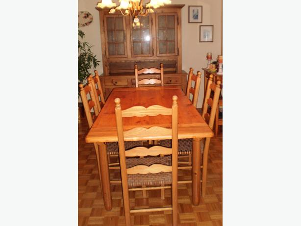 SUPER DEAL SOLID PINE DINING ROOM SET