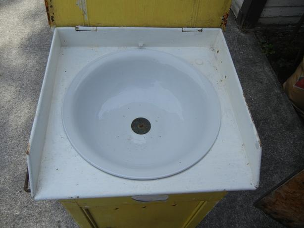 Vintage Stand Alone Wash Stand