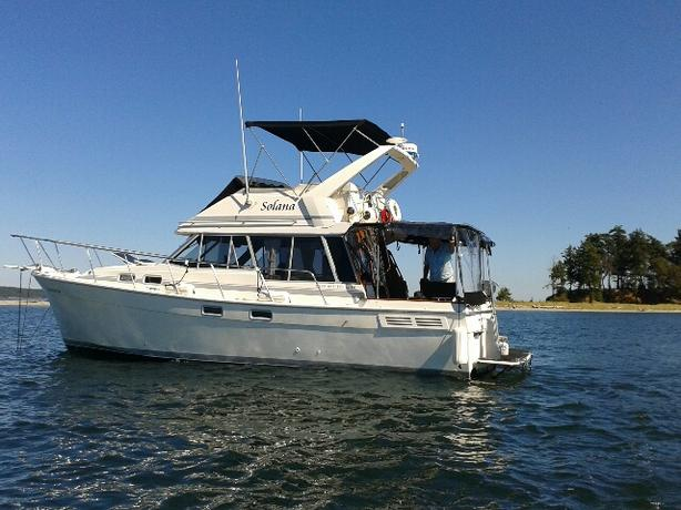 32 ft. BAYLINER 3288, 1989