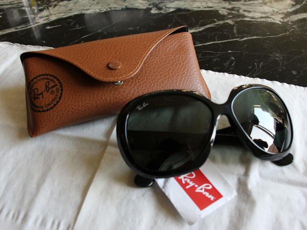 RAY BAN, Female Sunglasses, Brand New!