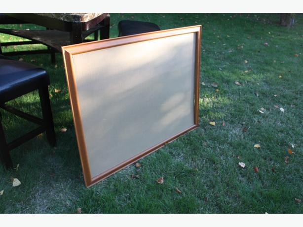 U FRAME IT LARGE WOODEN FRAME WITH GLASS $20