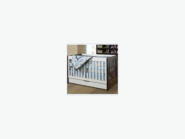 Babyletto Mercer 3 in 1 crib