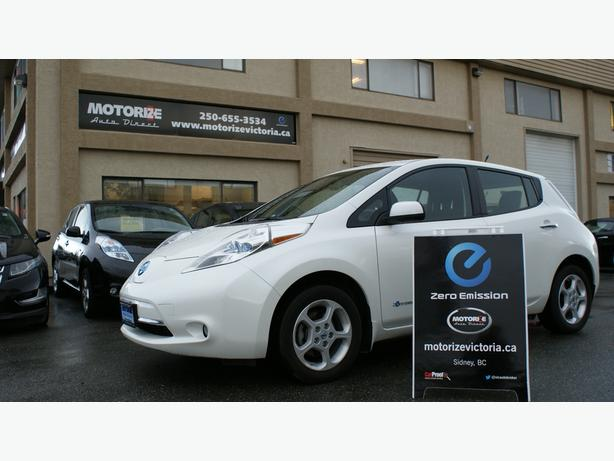 2013 Nissan LEAF SV - Quick Charge Pkg - LED Lights - M8444