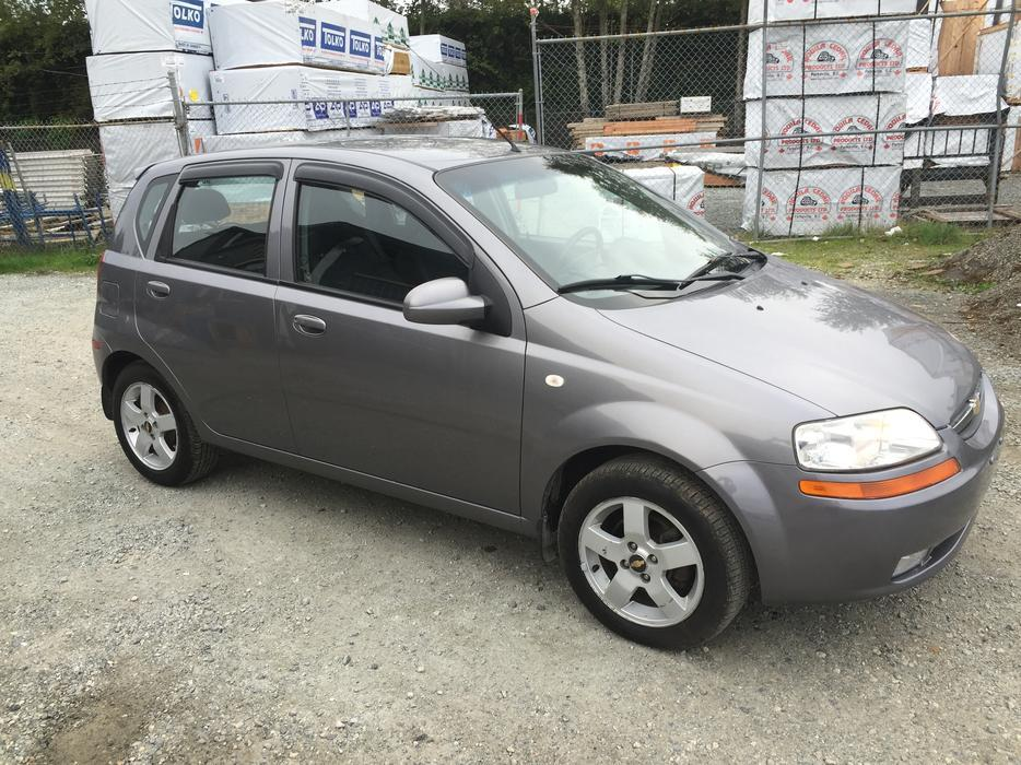 2006 chevy aveo 5 hatchback esquimalt view royal. Black Bedroom Furniture Sets. Home Design Ideas