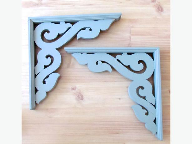 2 Wooden Decorative Gingerbread Corbels / Brackets - Never used.