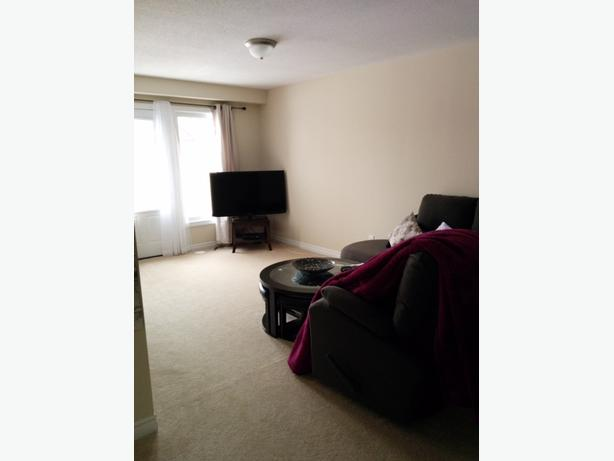 UPDATED: Home For Rent In Barrhaven