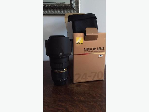 NIKON 24-70mm 2.8 NEW conditon!
