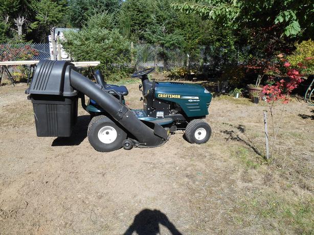 "42"" 19 hp Craftsman Ridng Lawn Mower"