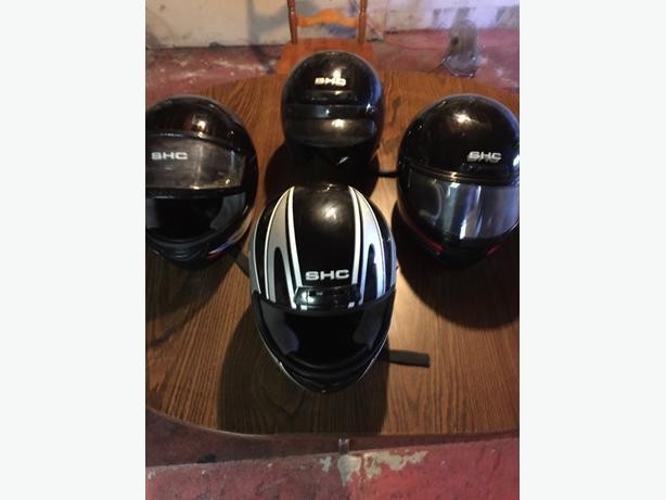 snowmobile helments