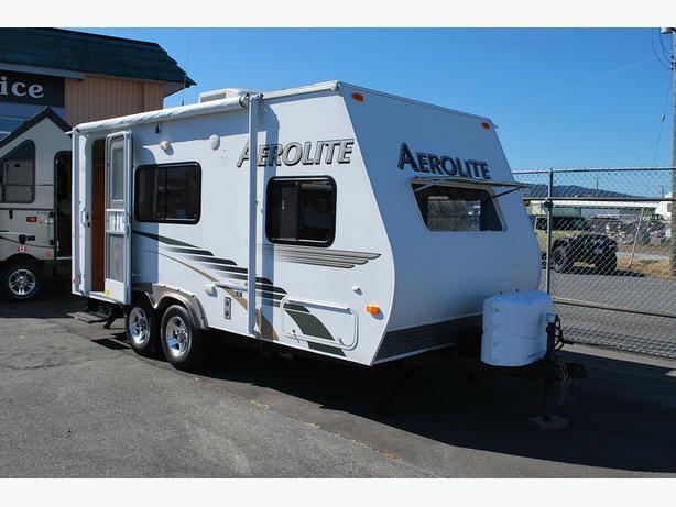 2010 Aerolite 718 QB-SL travel trailer
