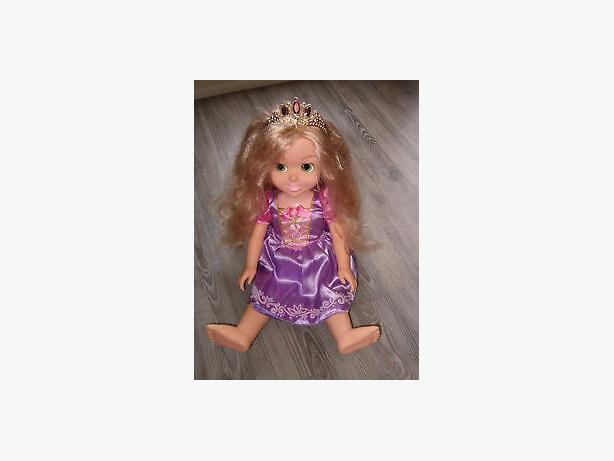 Disney princess tolly tots doll, music , light-up  dress