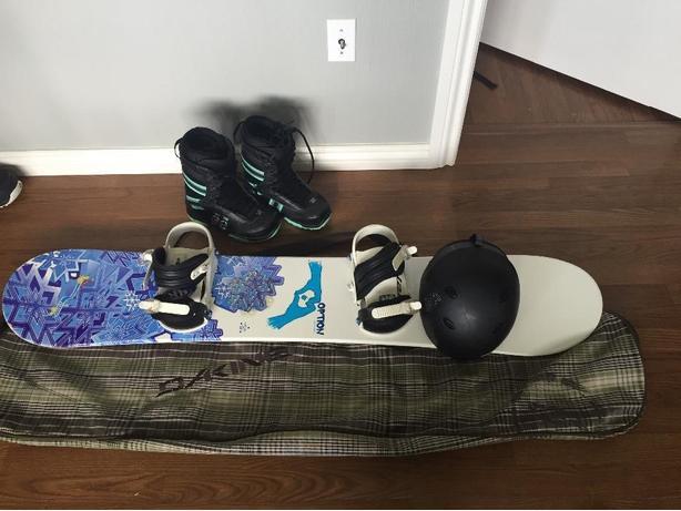 girls/womens snowboard boots