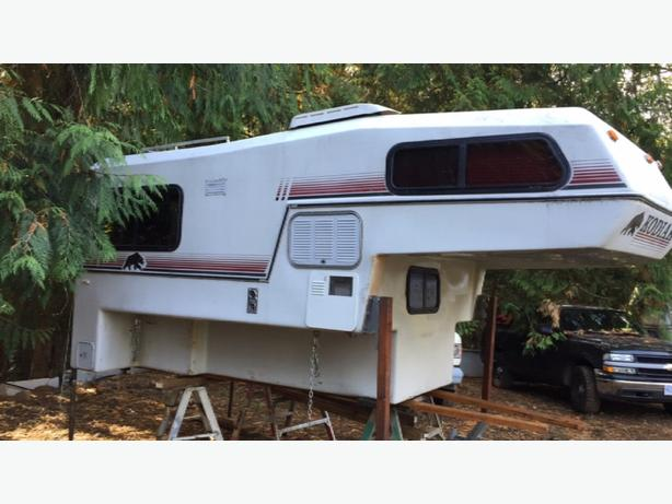 9ft Kodiak fibreglass camper