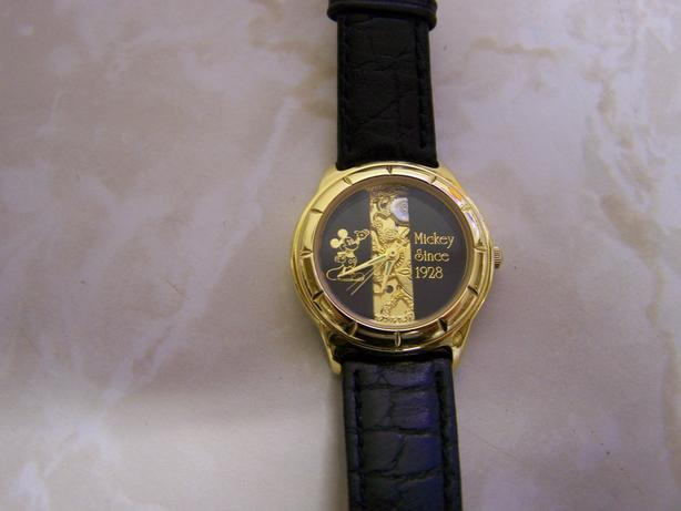 "Disney's ""Mickey Mouse"" Watch"