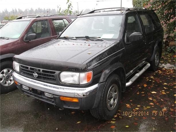 1998 Nissan Pathfinder XE 4WD