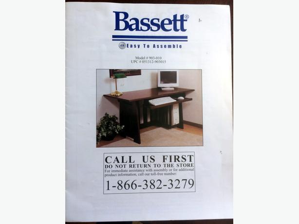 Desk: Solid wood