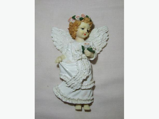 Pair of Angel Figurines