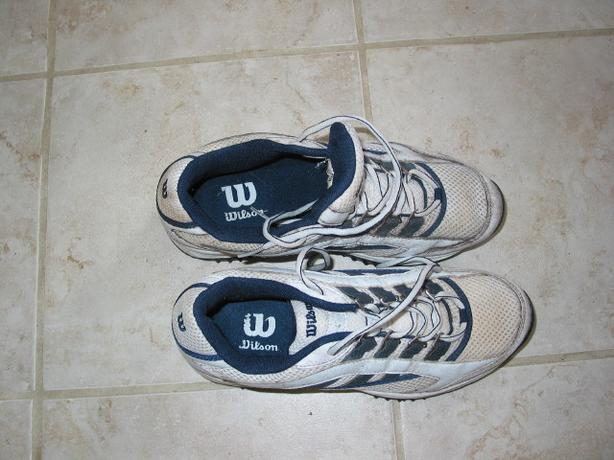 Mens Wilson White/Blue/Black Golf Shoe, Size 7