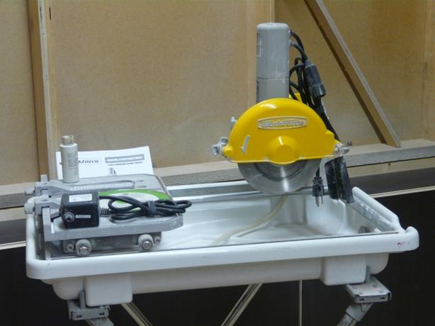 """Wet Tile Saw 7"""" Workforce, with folding stand and extra blade"""