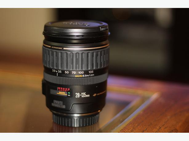 Canon EF 28-135mm f3.5-5.6 IS USM (Like new)
