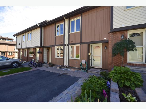 Open House Sun, Oct 23rd from 2-4pm - 811 Connaught Avenue #85