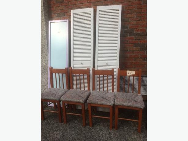 4 wood chairs