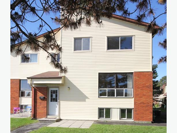 Affordable 2+1 bedroom condo in Westcliffe Estates