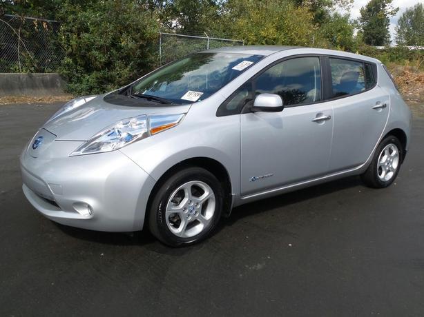 2014 Nissan LEAF SV - Quick Charge Pkg - Navigation/Bluetooth - M8518