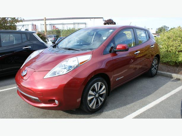 2015 Nissan LEAF SL - Quick Charge Pkg - BOSE + Around View Camera's - M8526