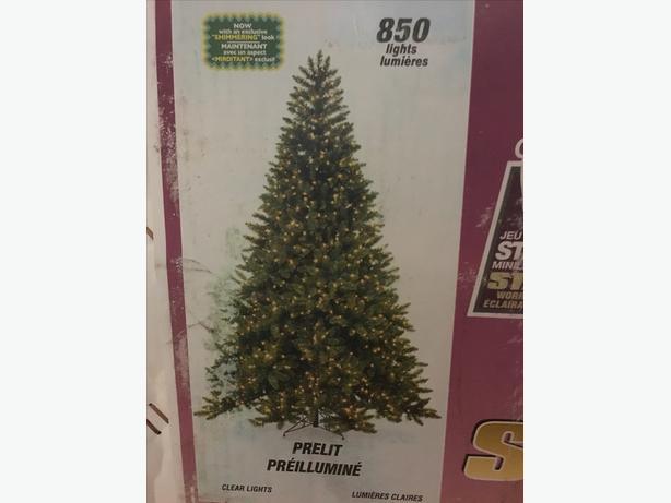 7.5' artificial Xmas tree