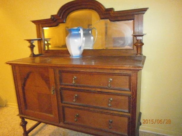 $780 obo Antique Buffet / Sideboard