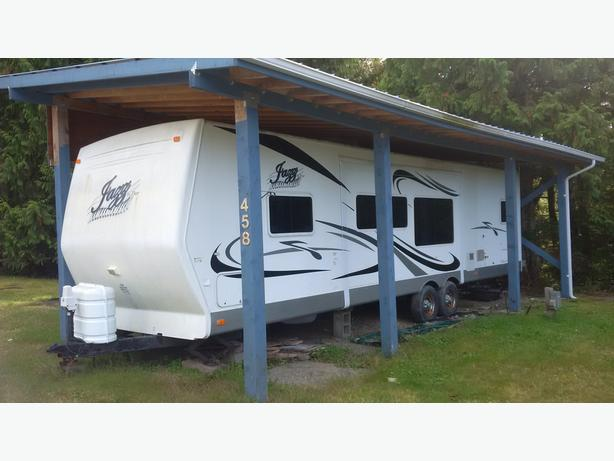 31 foot, 2006 Thor Jazz Travel Trailer (Bumper Pull)