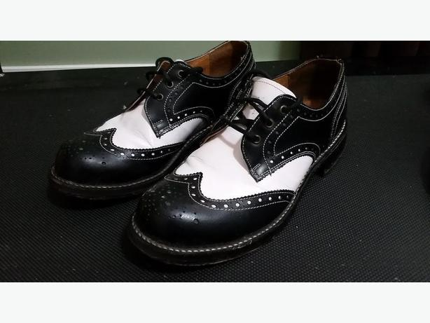 John Fluevog Angels Leather Two Tone (Black/White) Wingtip Shoes (Size 8)