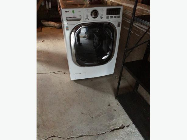 gently used LG WM3997H all in one washer/dryer