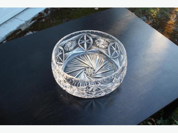 Heavy Crystal Bowl Pinwheel Design $20
