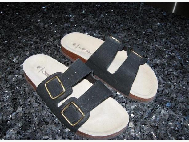 Size 10W Cherokee Sandals