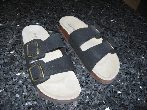 Size 10 Cherokee Sandals