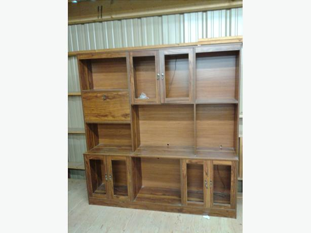 Entertainment center unit