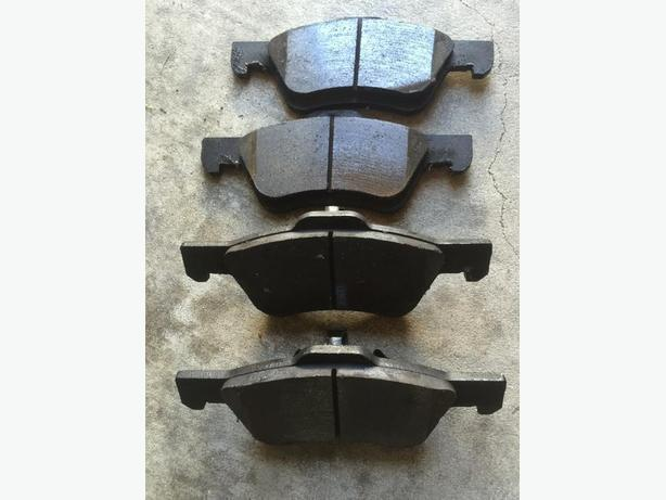 Like new Set of Front Brake Pad Ford Escape/ Mercury Mariner