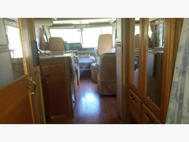 1988 Triple E 29 Foot Class A in Top Condition