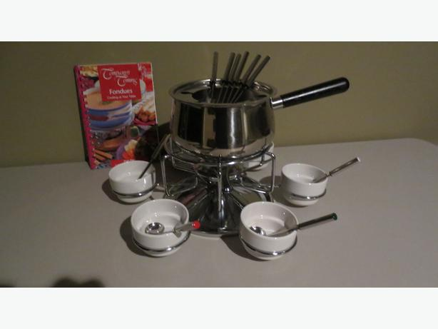 FONDUE SET WITH RECIPE BOOK (NEW) MARKED DOWN