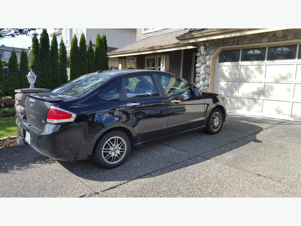 2010 Ford Focus SE- Only One Owner- Well Maintained