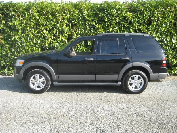 2006 Ford Explorer XLT 4X4 - Fully Loaded 7 Passenger SUV!