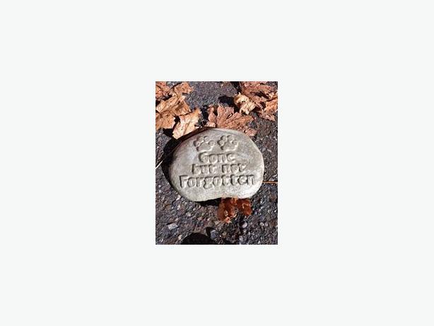 locally made pet memorial stones